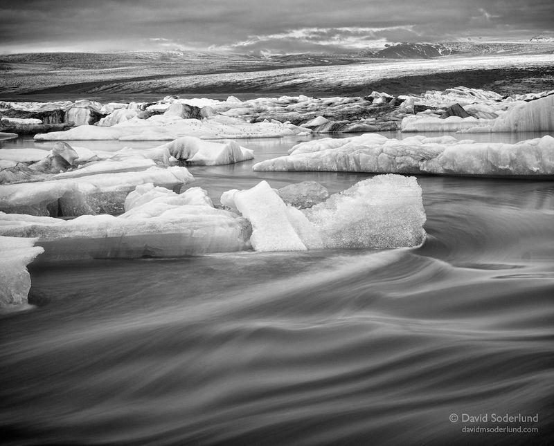 Jokulsarlon flow, black and white conversion