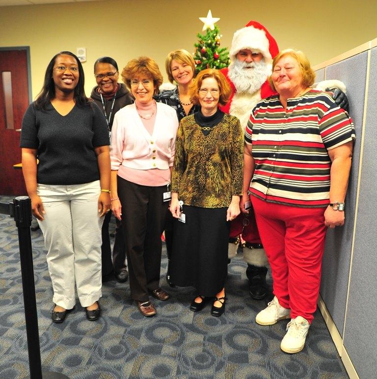 Santa_Visits_The_Office