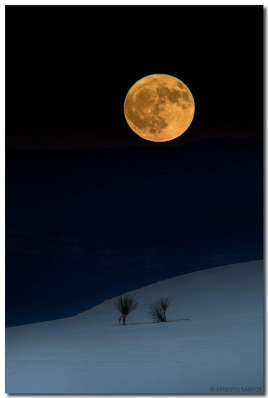 Full Moon at White Sands