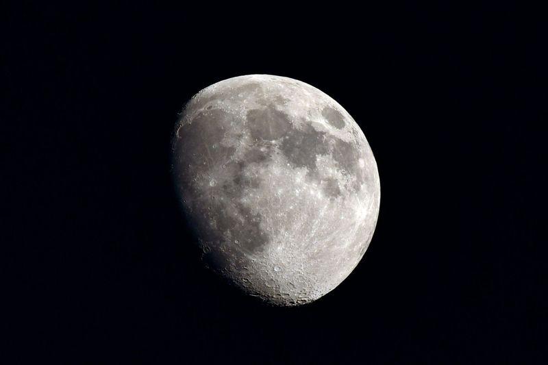Waxing Gibbous Moon, 4 October 2014