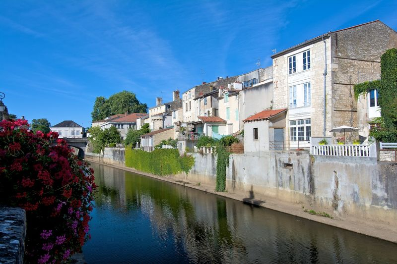 Fontenay Le Comte - view along the river