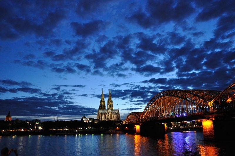Koelner_Dom_und_Rhein