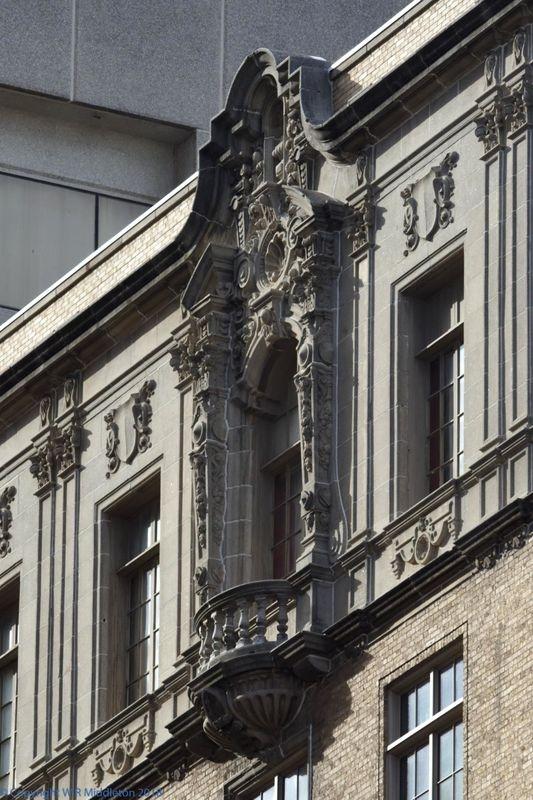 Italian revival balcony
