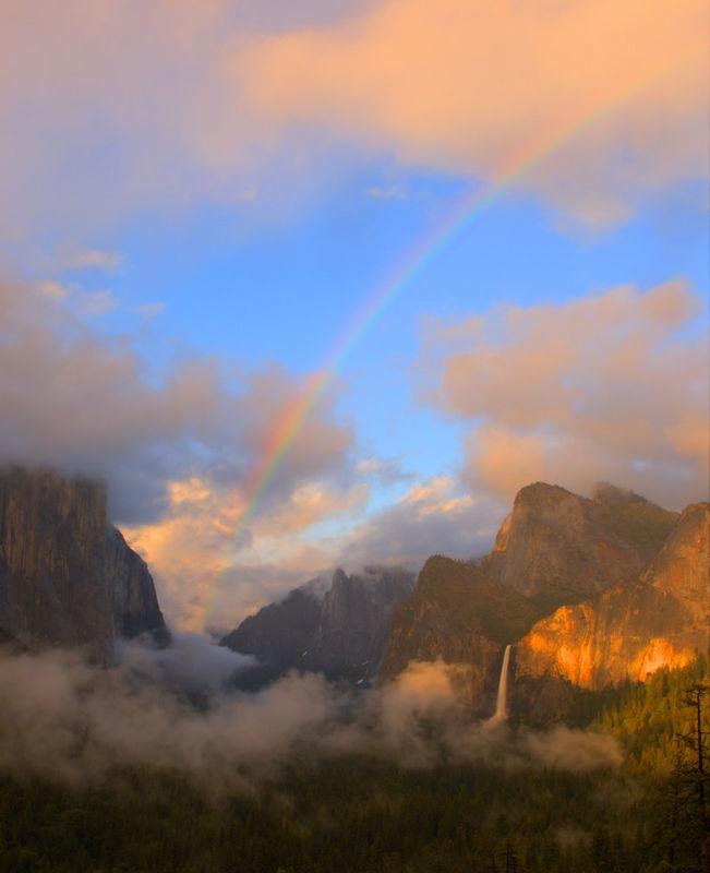 Yosemite_Valley_Rainbow_11-5-291