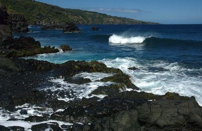 Waves at Hana