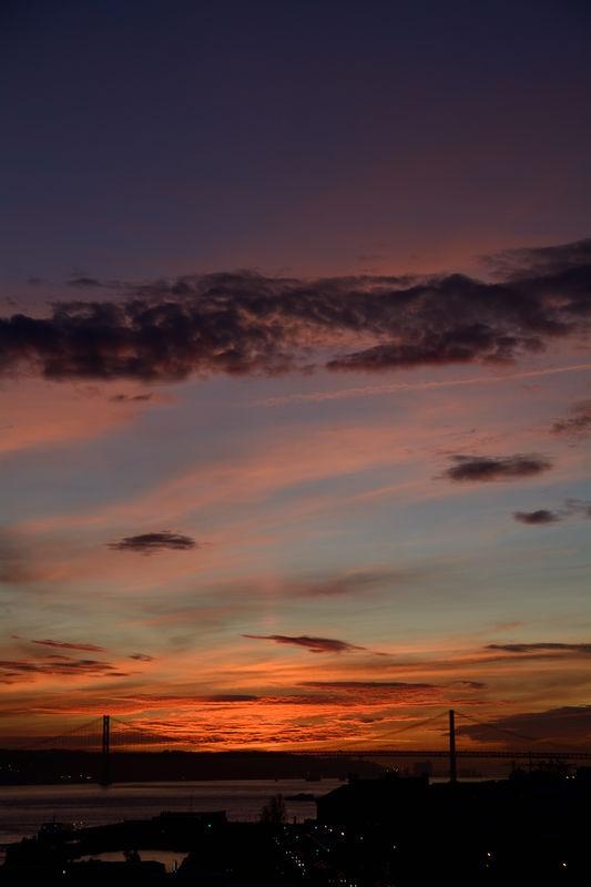 Sunset over the 25 de Abril Bridge