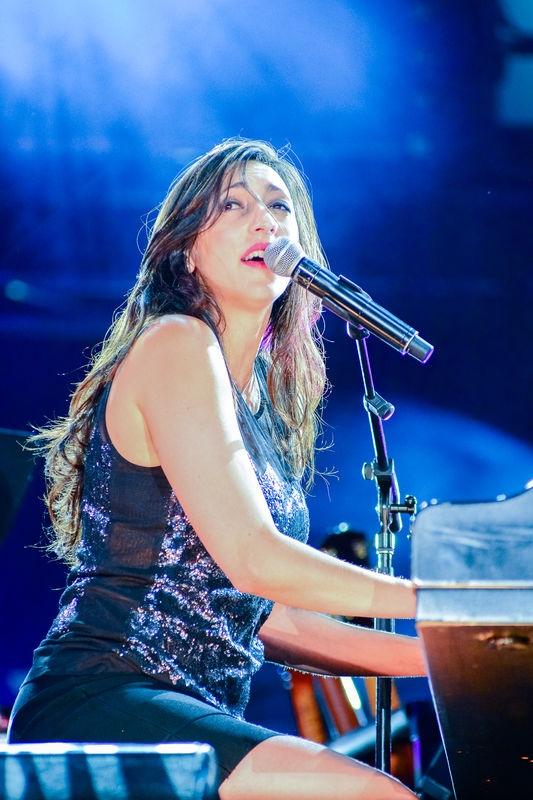 Florence K au piano