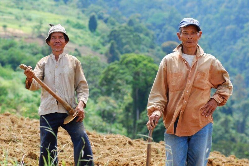 local farmers take a break