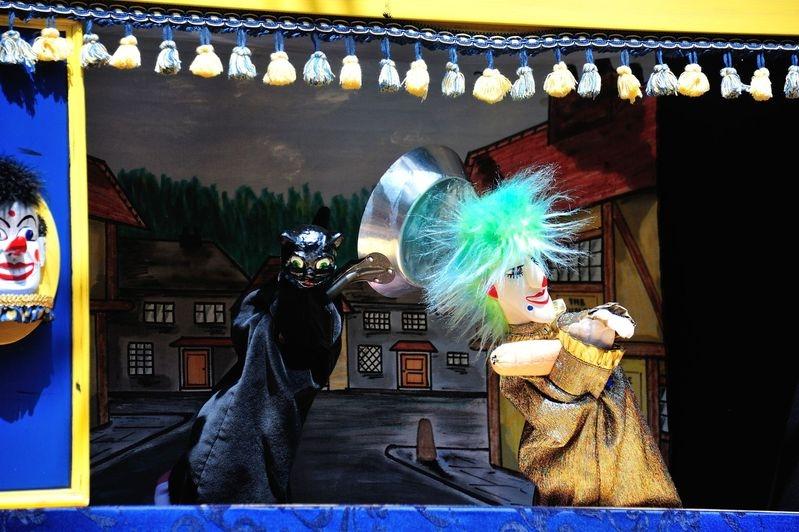 England_2013_265_-_London_-_Convent_Garden_-_Punch_Judy_Show