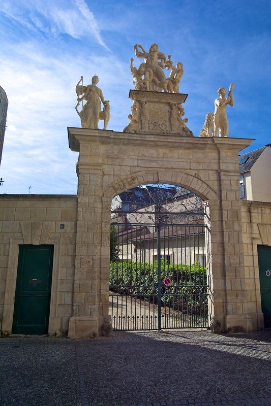 Fontenay Le Comte gateway recently restored