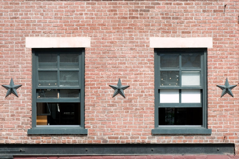 Three Stars, Two Windows and a Beam
