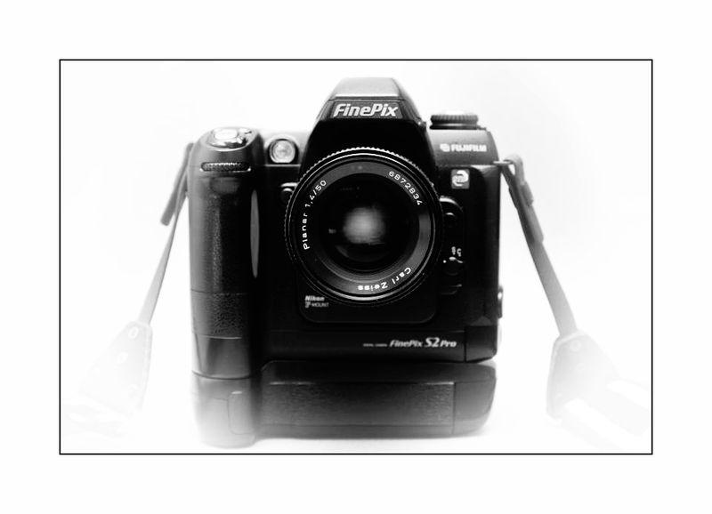 Fuji S2pro mit Carl Zeiss T* Planar 50mm 1:1,4
