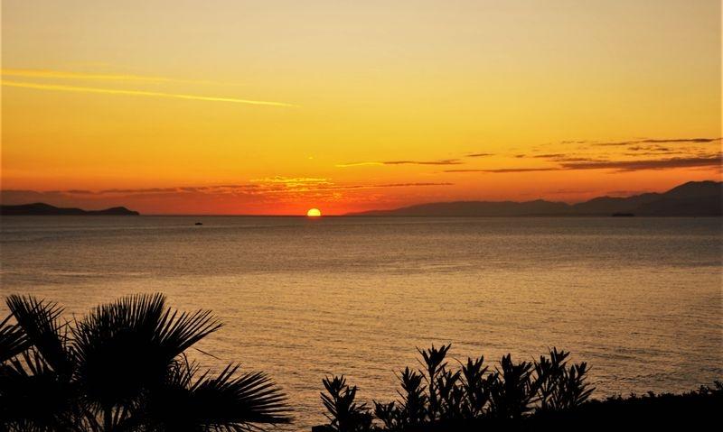 Sunrise_in_Crete
