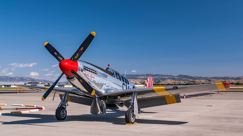 Livermore Fly-In, P-51 - Allison