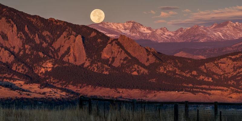 Mesa Fall Full Moon Set