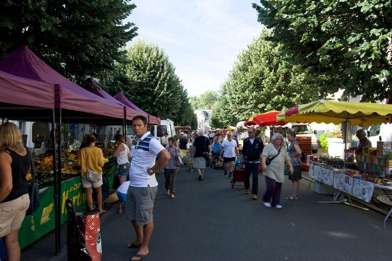 Fontenay Le Comte market