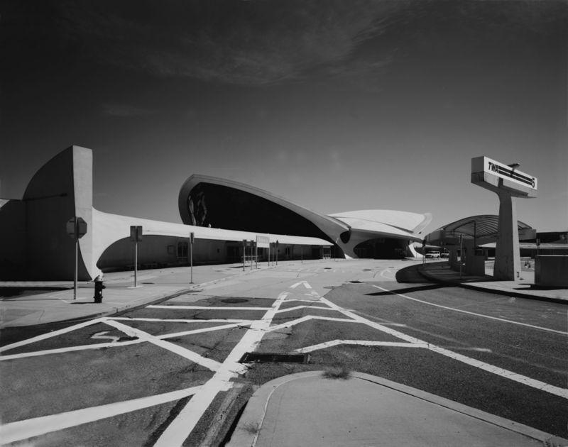 TWA @ JFK airport; exterior street view