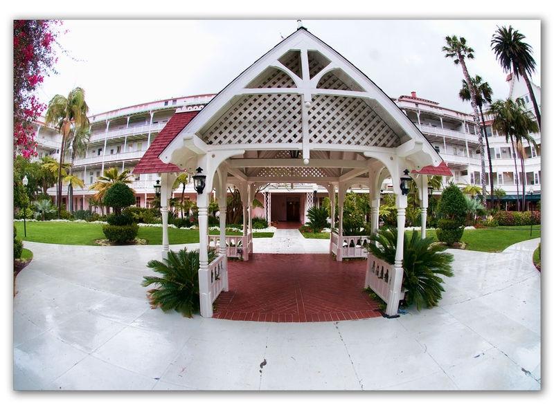 Hotel Del wedding gazibo