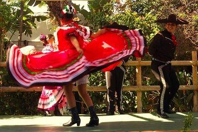 Dancing Señorita