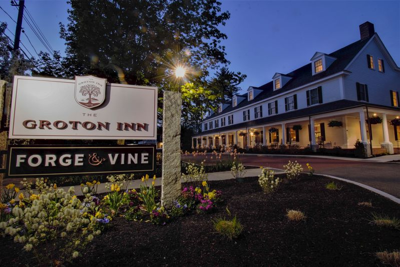 Summertime at the Groton Inn, early evening