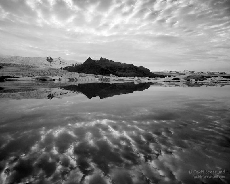 Cloud reflections at Fjallsarlon