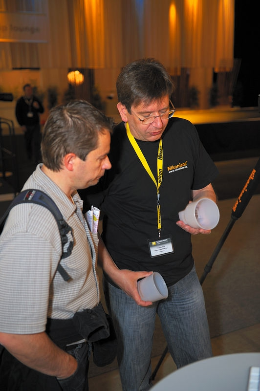 Nikonians Volunteer Thomas Berg Explaning the Gary Fong Lightsphere