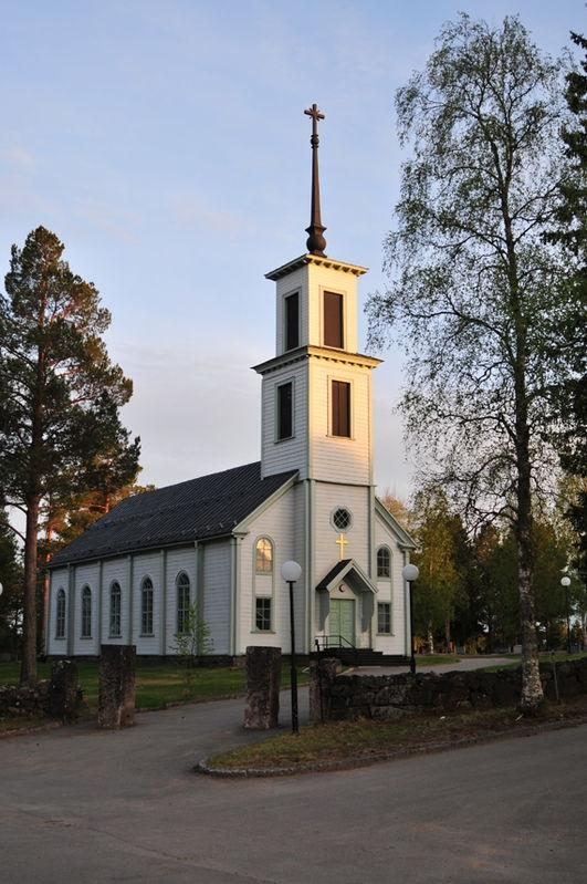 Korpilombolo church at sunset