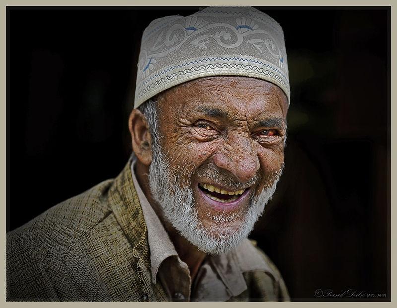 Smiling_through_hardship
