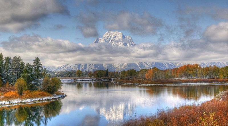 Autumn splendor at Oxbow bend