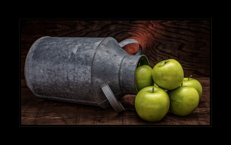 Apples and Tin