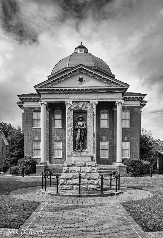 Louisa, Virginia County Courthouse