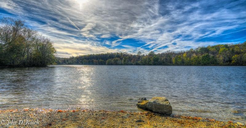 Late_Afternoon_at_Amelia_Lake_-_Aurora_HDR