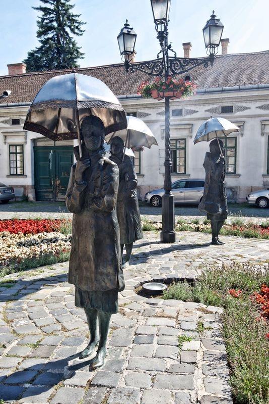 Ladies with Umbrella,Obuda.