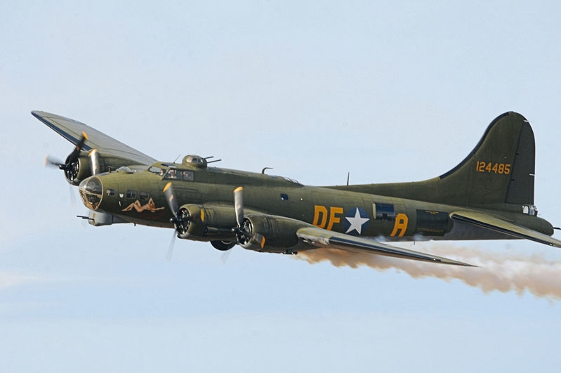 B17 flying fortress (Sally B)